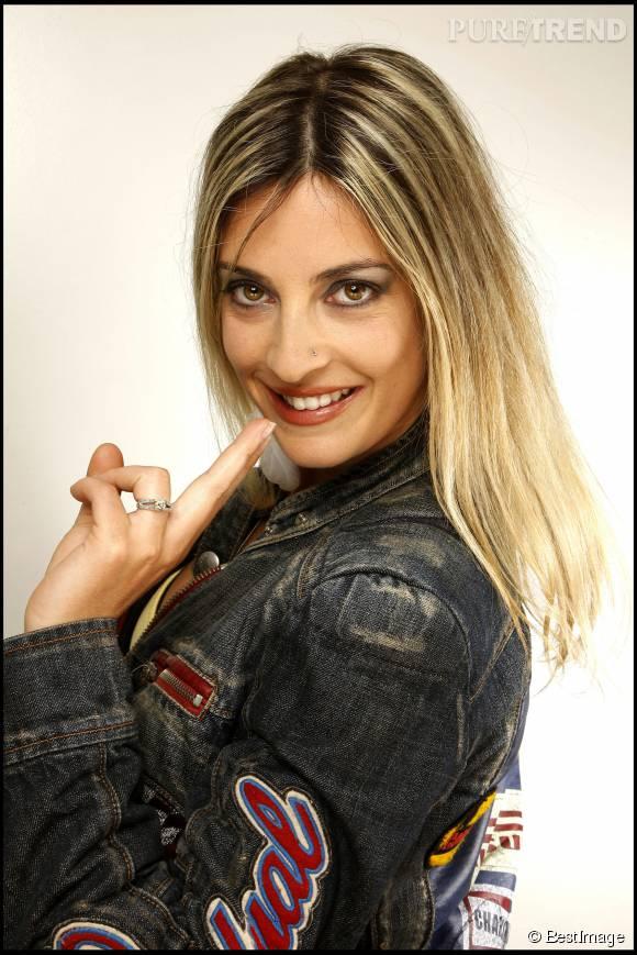 Eve Angeli s'offre des vacances dans le sud de la France.