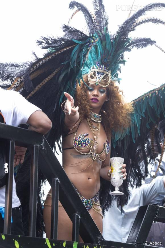 Rihanna invitait Lewis Hamilton sur sa terre natale, la Barbade.