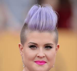 Kelly Osbourne a fait du violet sa signature capillaire.