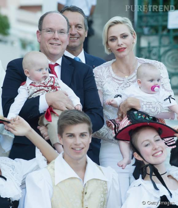 Albert et Charlène de Monaco avec Gabriella et Jacques dans les bras