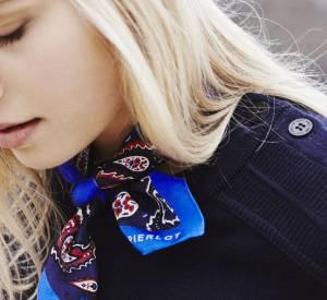 Le foulard marin revisité par Claudie Pierlot.
