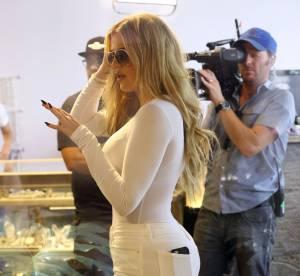 Khloe Kardashian plus moulée que jamais, elle pose dans sa gaine magique