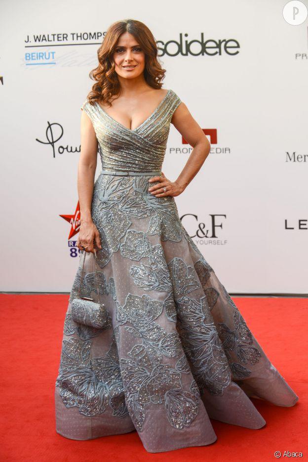 Salma Hayek sort la robe de princesse.