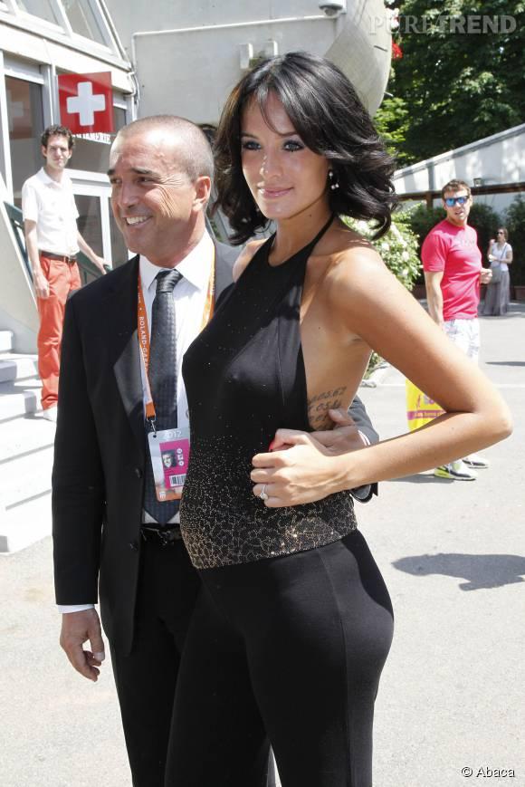 Avec son époux, Arnaud Lagardère, Jade est déjà maman de deux jolies petites filles.