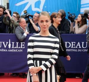 Alice Isaaz : rayures sexy sur tapis rouge, la bombe du Festival de Deauville !