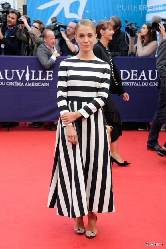Alice Isaaz, modeuse audacieuse à Deauville.