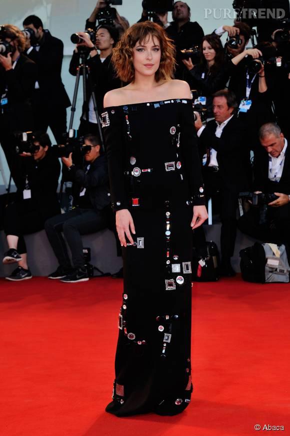 Dakota Johnson, sublime dans une création Marc Jacobs.