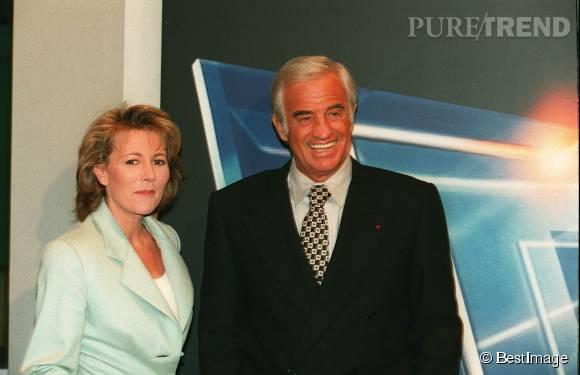 Claire Chazal et Jean-Paul Belmondo sur le plateau du JT de  TF1  en 1996.