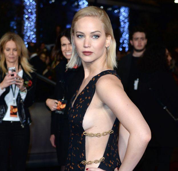 Jennifer Lawrence : un sideboob de folie à Londres !