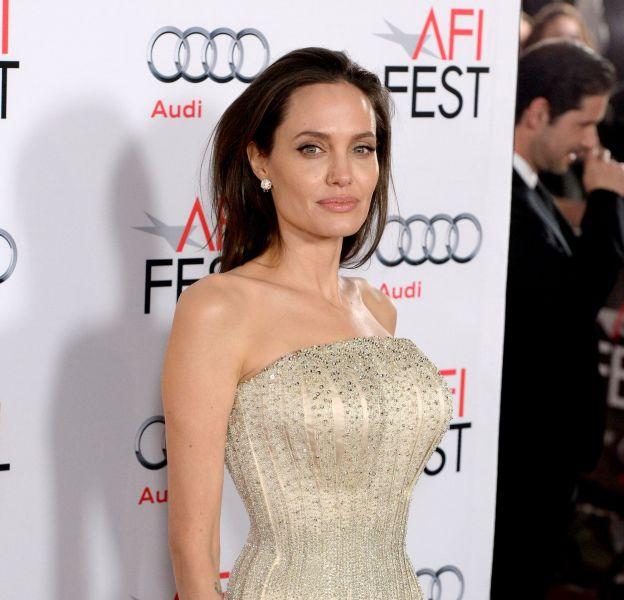 Angelina Jolie, toujours aussi amoureuse de son beau Brad Pitt.