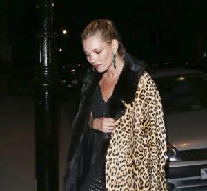 Kate Moss : cigarette aux lèvres et coupe de champagne à la main dans la Tamise