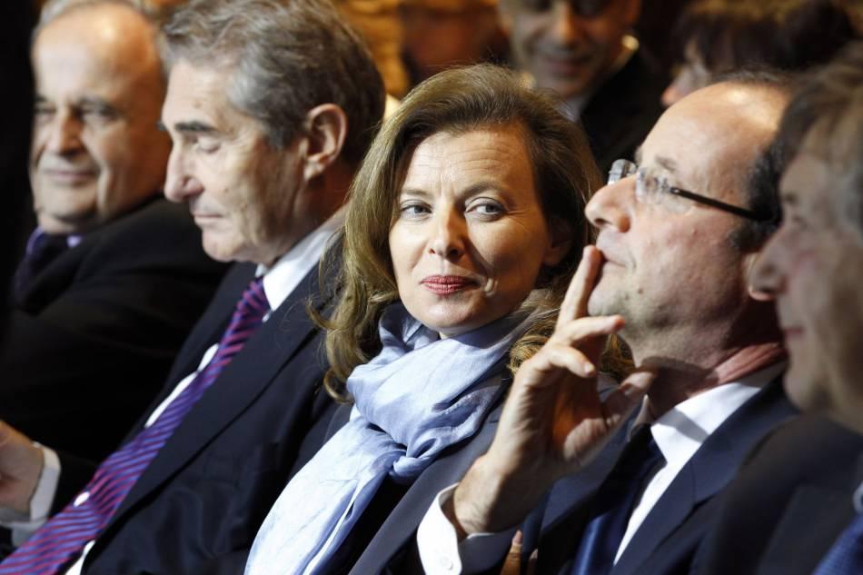 Valérie Trierweiler ne se prive pas de tacler François Hollande plus ou moins subtilement.