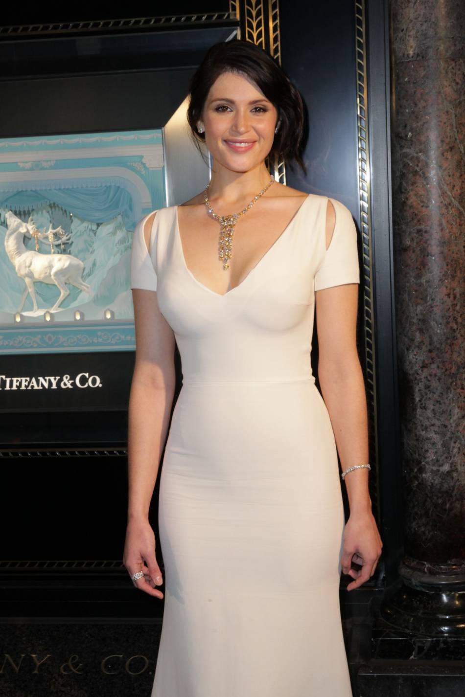 Gemma Arterton, ambassadrice de charme à l'inauguration de la vitrine de Noël de Tiffany & Co, lundi à Londres.