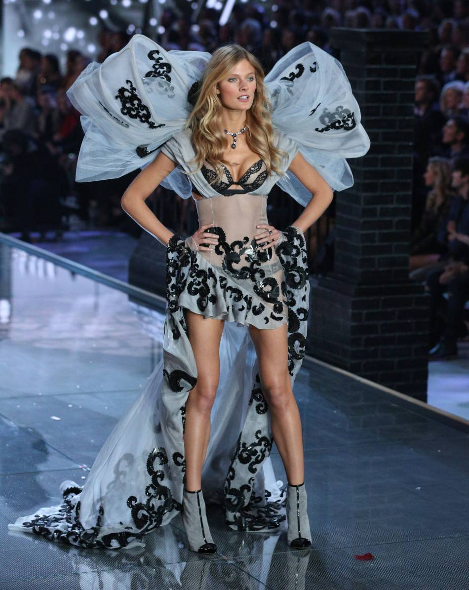 Constance Jablonski pour le show Victoria's Secret 2015