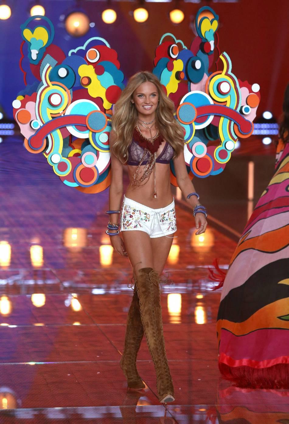 Romee Strijd pour le show Victoria's Secret 2015