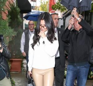 Selena Gomez : casual et sexy en cuir... A shopper !