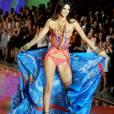 Kendall Jenner a fait la fierté de sa famille au défilé Victoria's Secret.