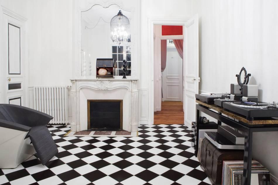 Romain Colors : l'art de la couleur à Paris.