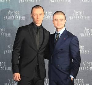 Daniel Radcliffe et James McAvoy, sur leur trente-et-un, sans barbes ni cheveux.