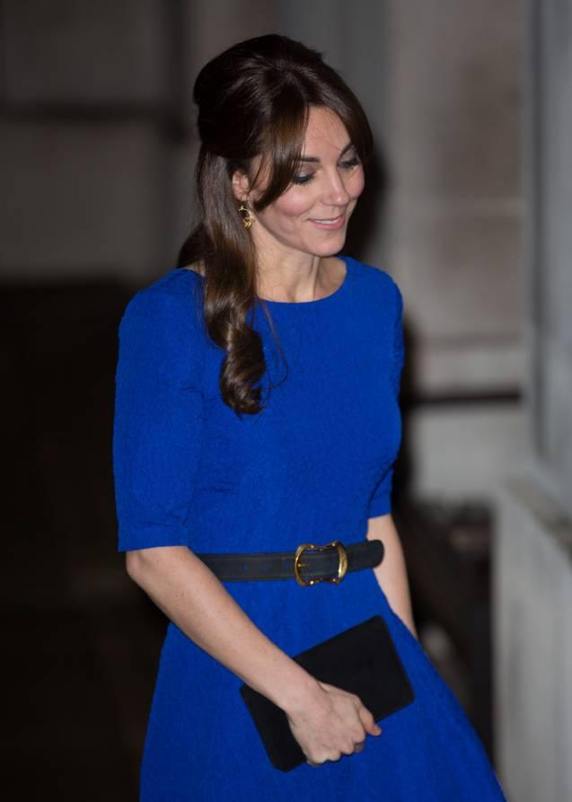 Robe bleu roi accessoire
