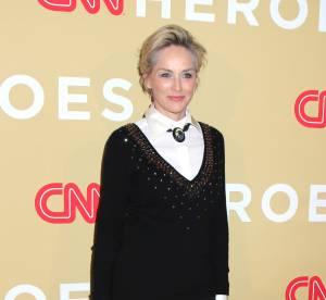 Sharon Stone fun et sexy à 57 ans, le masculin lui va si bien