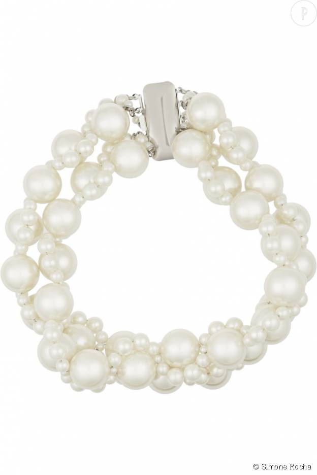 Le fabuleux ras de cou en perles de Simone Rocha.