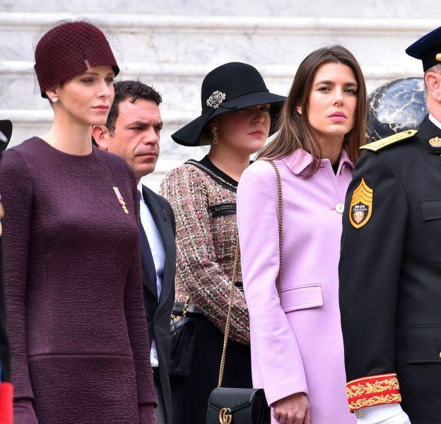 Charlotte Casiraghi et Charlène, lors de la cérémonie militaire organisée pour la fête nationale monégasque, ce 19 novembre 2015.