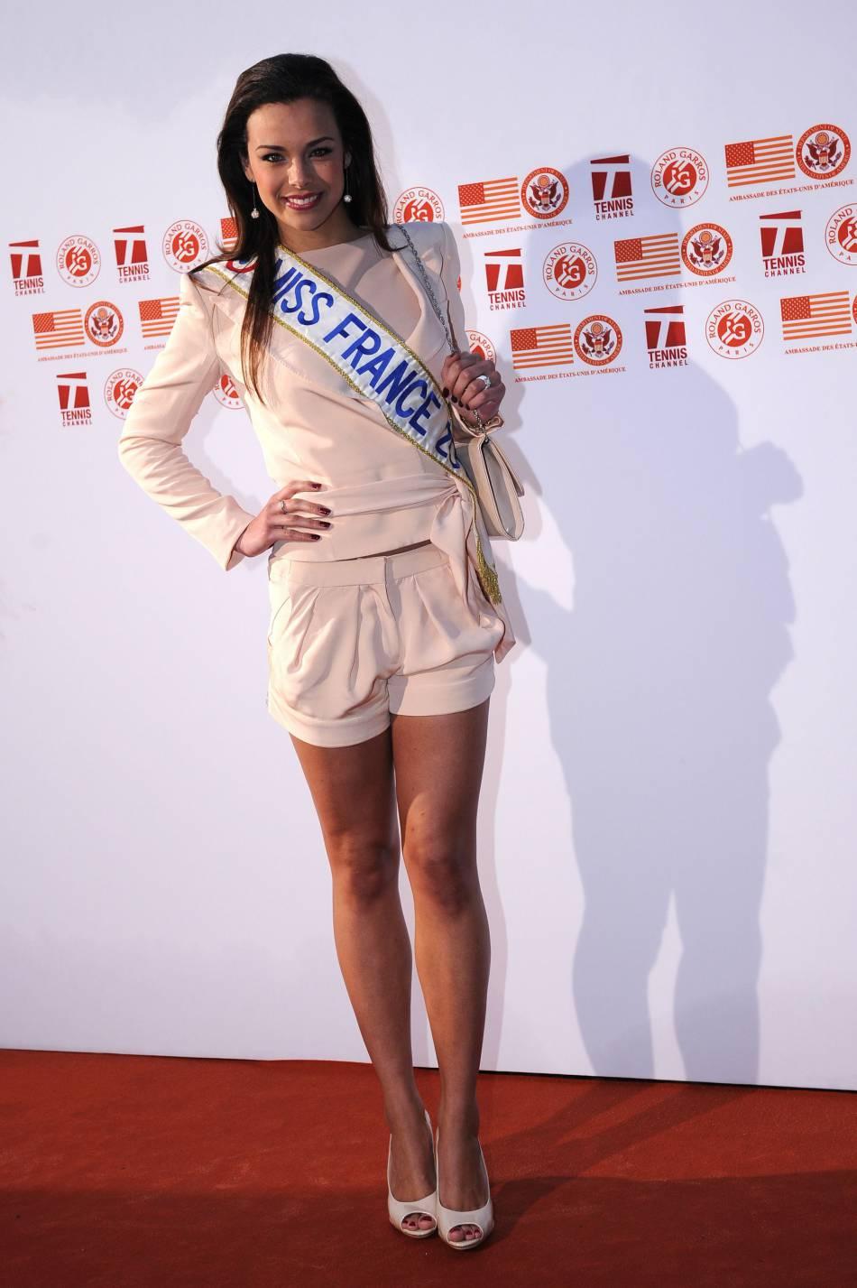 """Pour se souvenir de son année Miss France, elle s'est fait tatouer """"2013"""" en chiffres romain."""