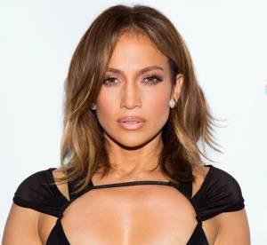 Jennifer Lopez : son décolleté de cuir ultra sexy fait frémir la toile