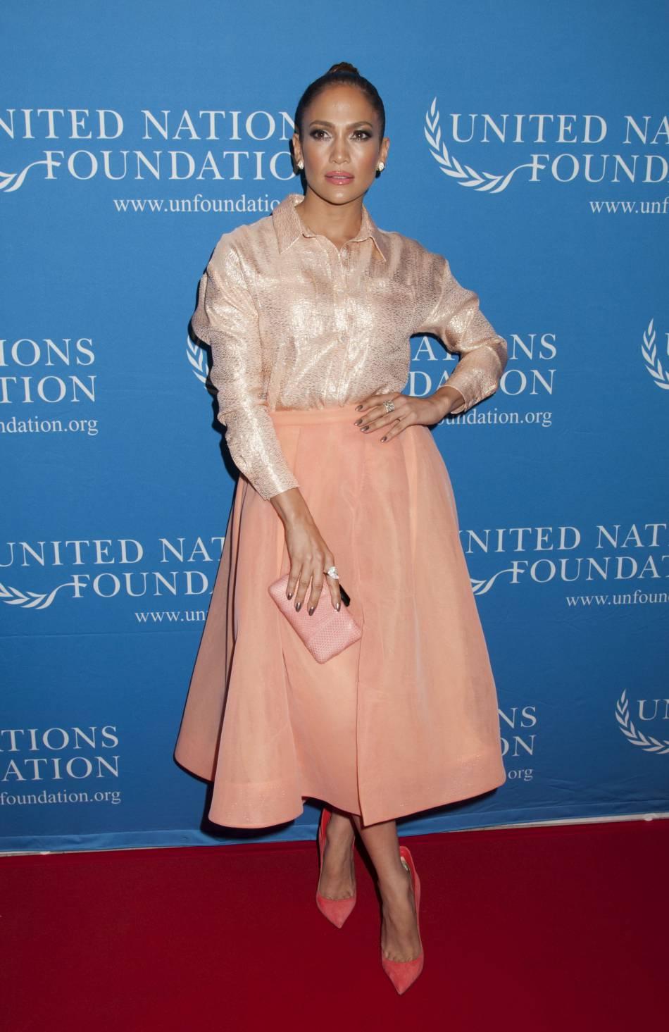 Jennifer Lopez version princesse aristo, un vrai caméléon on vous dit!
