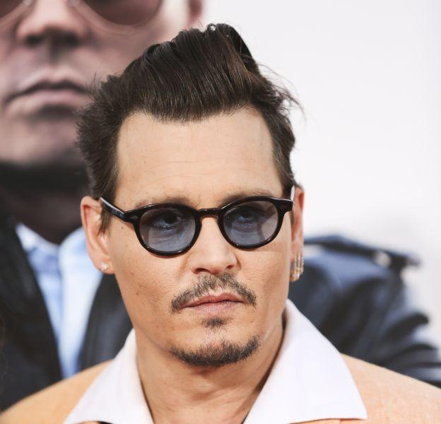 Johnny Depp aime toujours son ex, la française Vanessa Paradis.