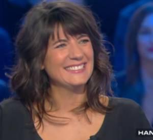 """Extrait de """"Salut les terriens"""" sur Canal+ avec Thierry Ardisson et Estelle Denis."""