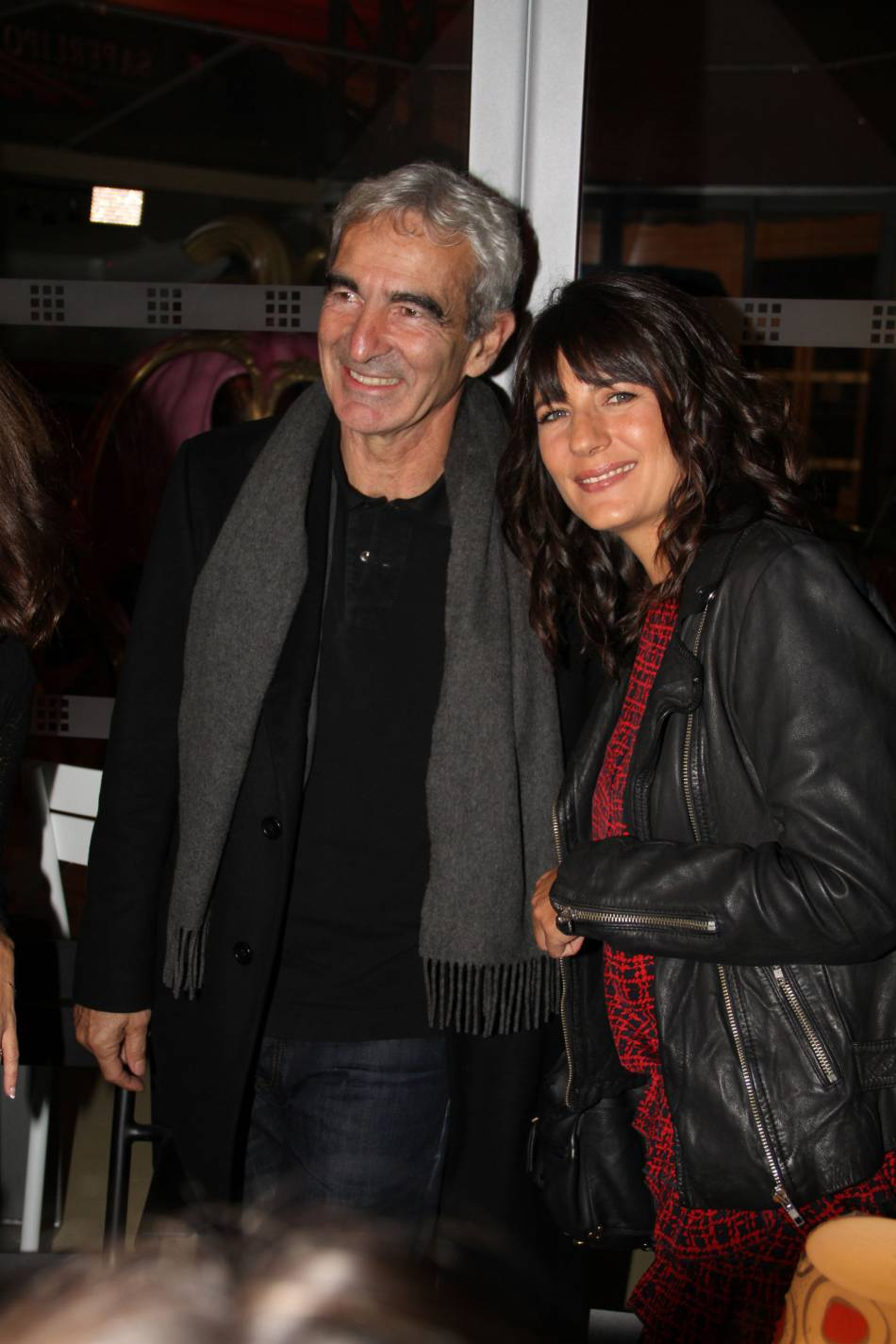 En 2008, Raymond Domenech a demandé en mariage Estelle Denis en direct à la télé. A l'heure actuelle, le couple n'est toujours pas passé devant monsieur le Maire.