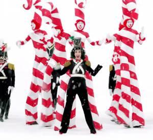 Katy Perry illustre le Noël 2015 de H&M.