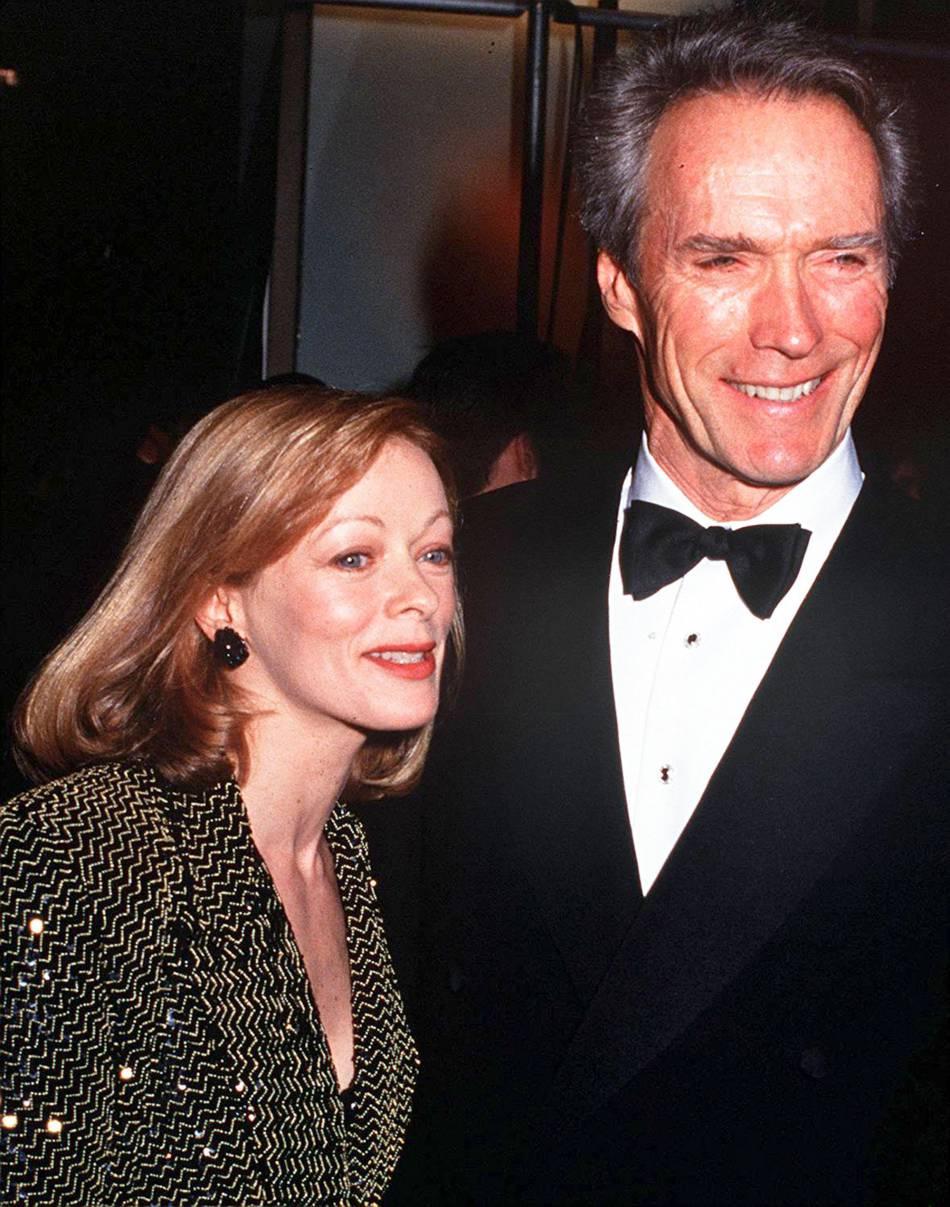 Clint Eastwood et l'actrice Frances Fisher en 1993.