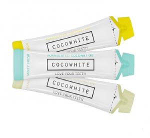 Coco White : des dents blanches top chrono, la nouvelle tendance qui fait fureur