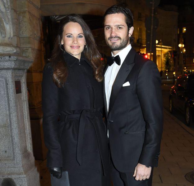 Le prince Carl Philip de Suède et la princesse Sofia assistent au dîner Project Playground à Stockholm le 26 novembre 2015.