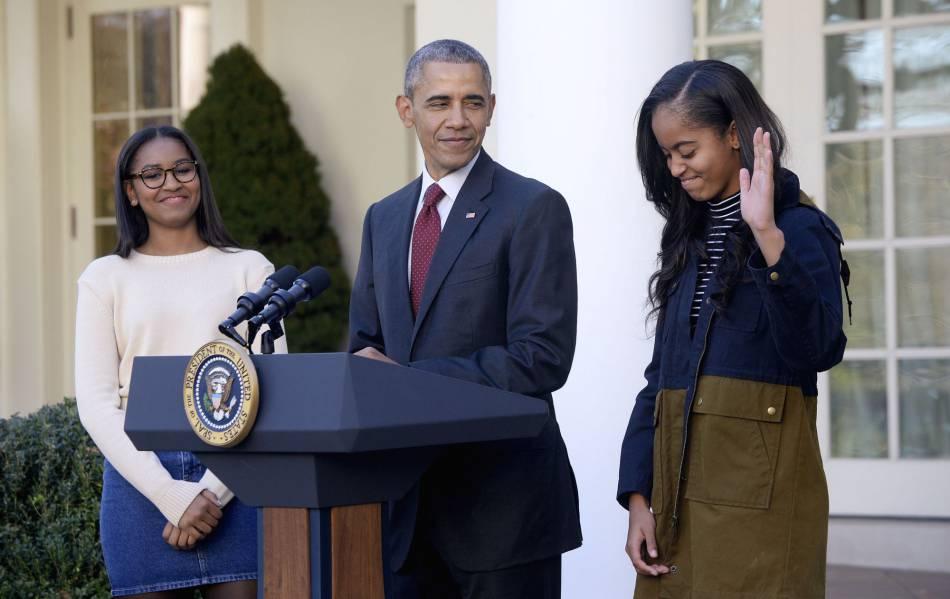 Le président Obama avec ses filles pour le fameux discours de Thanksgiving.
