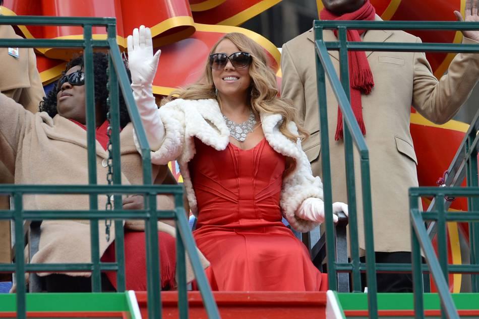 Maria Carey a chanté lors de la parade Macy's pour Thanksgiving.