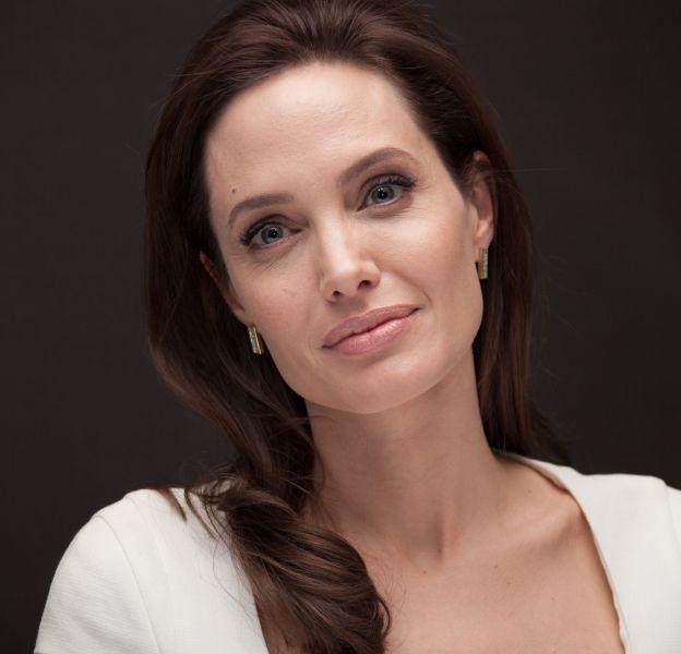 "A 40 ans, Angelina Jolie se dit ""heureuse de vieillir""."