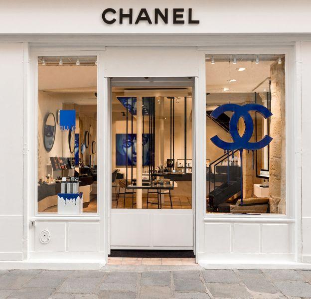 Chanel ouvre sa première boutique parfums beauté au 40, rue des Francs Bourgeois75004 Paris.