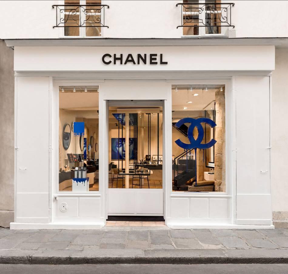 Chanel ouvre sa première boutique parfums beauté au  40, rue des Francs Bourgeois   75004 Paris.