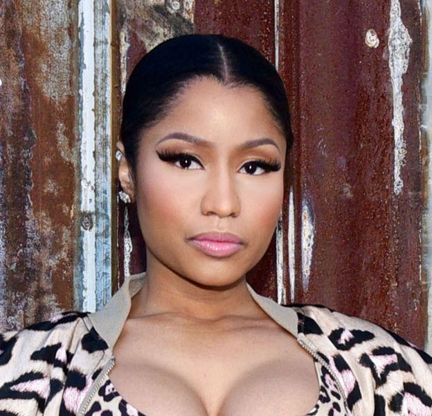 Nicki Minaj ne rate pas une seule occasion pour sortir son plus beau décolleté.