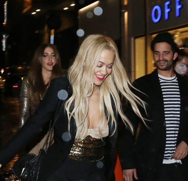 """Rita Ora à la sortie du club """"Cirque Le Soleil"""" à Londres le 1er décembre 2015."""