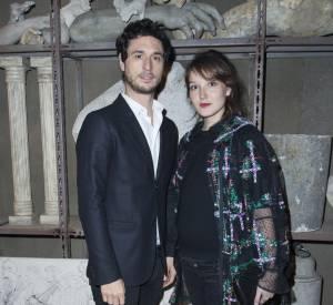 Jérémie Elkaïm et Anaïs Demoustier au défilé Chanel Métiers d'Arts Paris à Rome 2015-2016 le 1er décembre 2015.