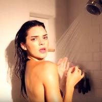 kendall jenner dans sa douche elle fait monter la. Black Bedroom Furniture Sets. Home Design Ideas