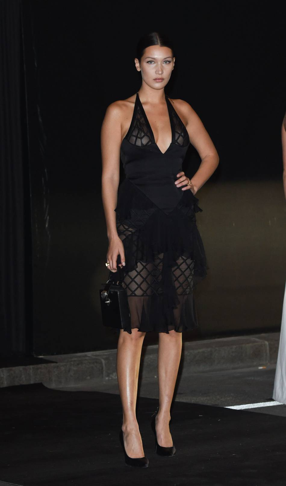 Bella Hadid est de plus en plus dénudée sur la Toile et approuve pleinement ce concept.