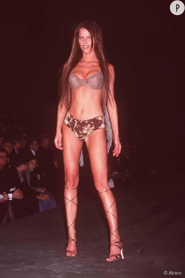 Eva Herzigova, star du défilé Victoria's Secret 1999.