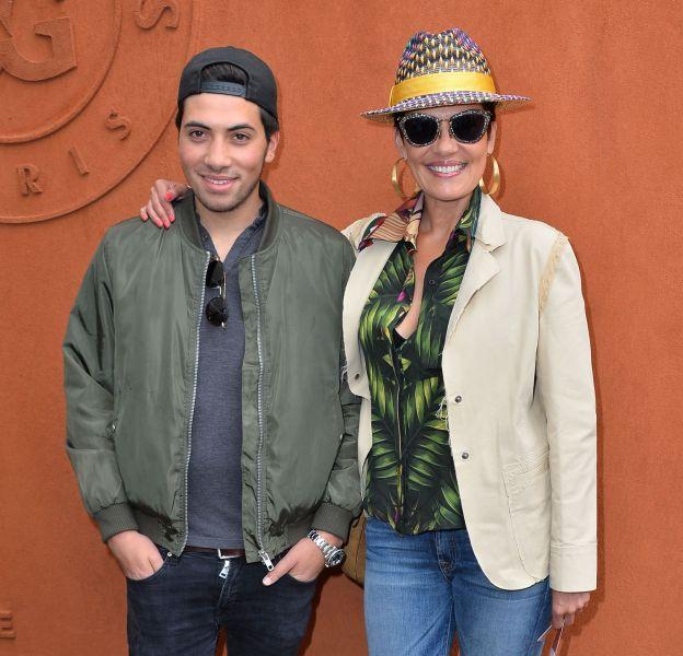Avec son fils Enzo, Cristina Cordula est une vraie mère poule.