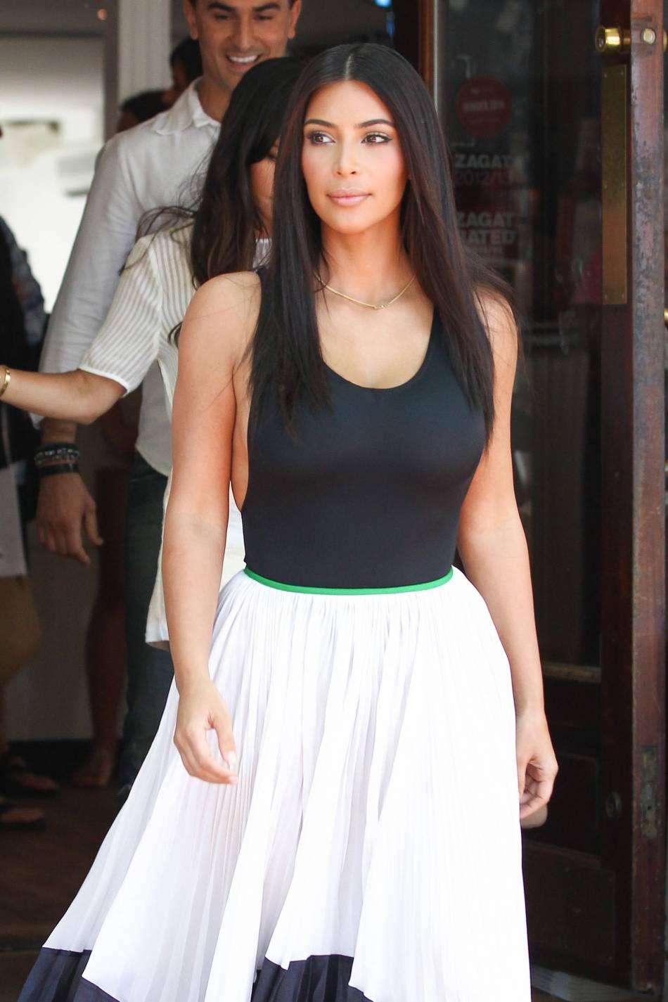 Kim Kardashian aurait-elle déboursé 100 000 dollars pour retrouver sa silhouette d'avant grossesse ?